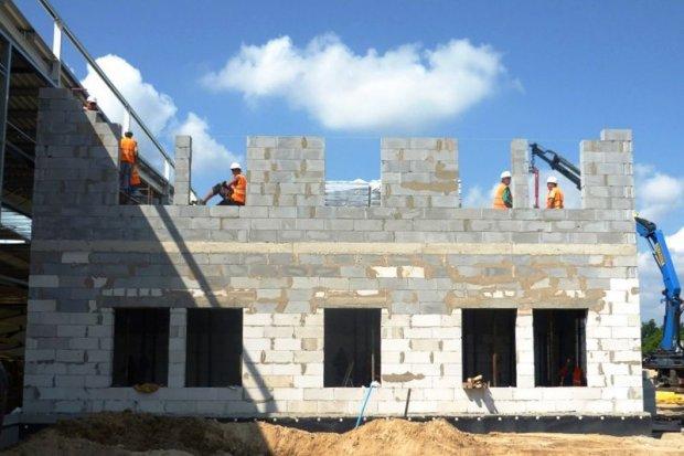Zaawansowane prace przy budowie hali