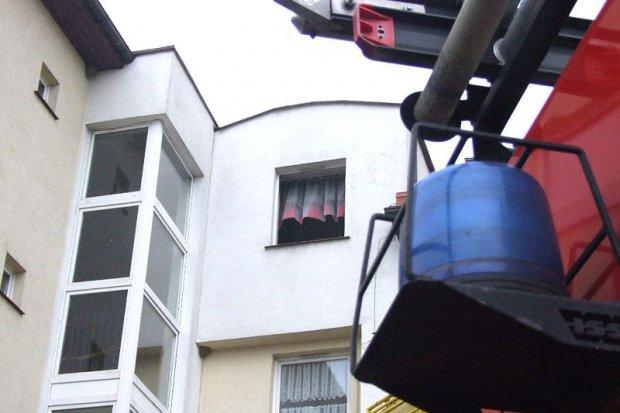 Ogień w mieszkaniu na Śluzowej