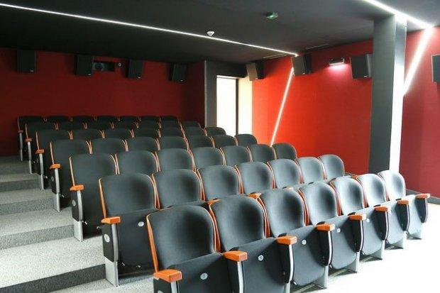 Nowa sala kinowa w Forum