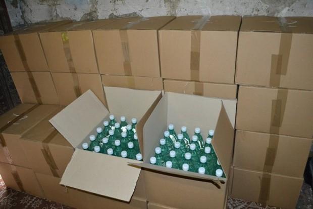 Mundurowi zabezpieczyli 1700 litrów czystego alkoholu o wątpliwej jakości
