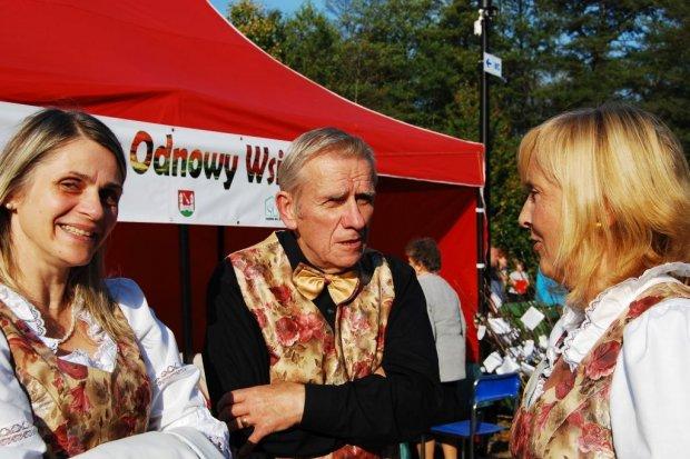 """Nowy park w Janowicach Wielkich już otwarty. Za nami też finał akcji """"Niedaleko pada jabłko od Janowic"""""""