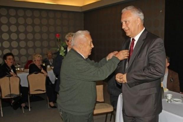 Seniorzy uhonorowali prezydenta