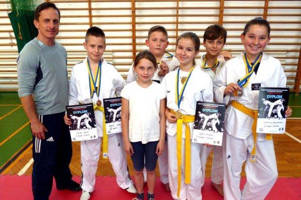 Bolesławieccy taekwondocy z 8 medalami międzywojewódzkich mistrzostw