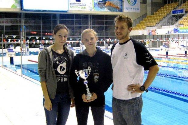 Doskonały występ pływaczek UKS Oxpress w Szczecinie