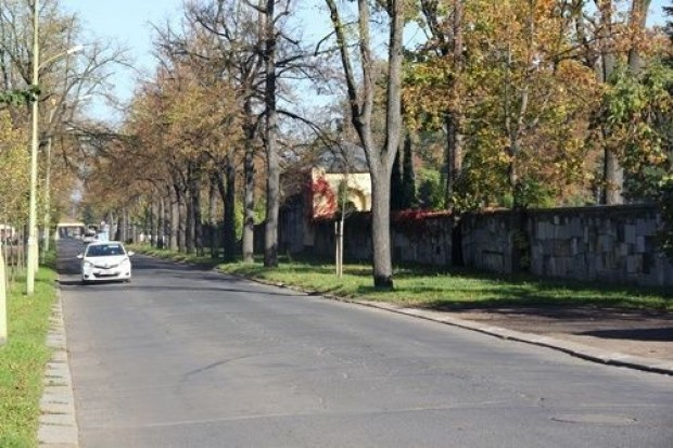 Organizacja ruchu w rejonie cmentarza w dniu Wszystkich Świętych