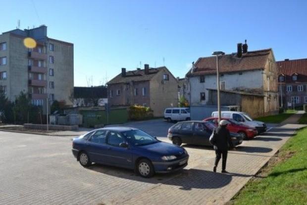 Uporządkowano jeden z największych placów osiedlowych w Zawidowie