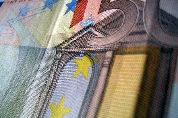 Chciał dać policjantom 50 euro łapówki, grozi mu do 10 lat więzienia