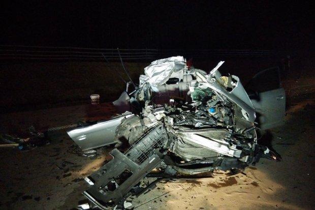 Wypadek na A4, kierowca Audi ranny