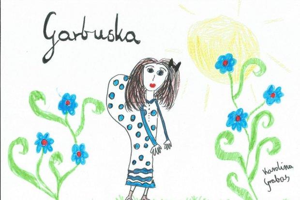 Jak dzieci namalowały garbatą Matyldę