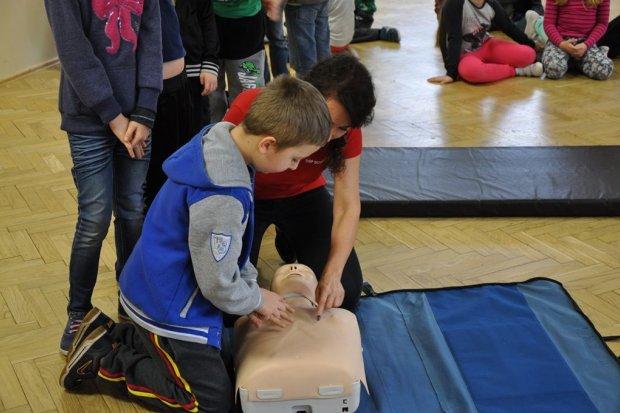 Uczyli maluchy, jak udzielać pierwszej pomocy