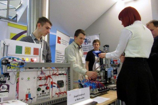 Praca w strefie dla uczniów techników i zawodówek