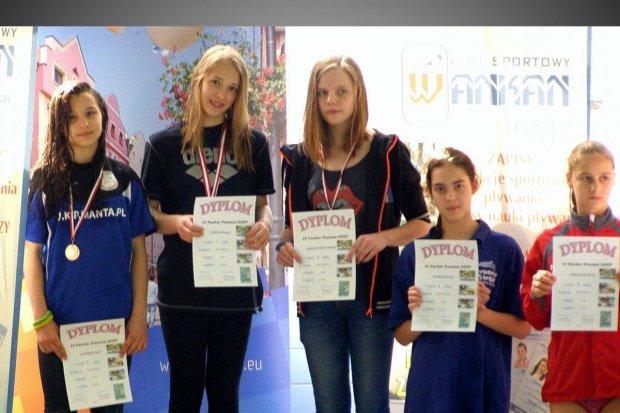 UKS Oxpress: bardzo dobry początek roku pływaczek i pływaków klubu