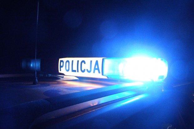Pijany 57-latek wyżył się na Renaulcie. Grozi mu do 5 lat więzienia