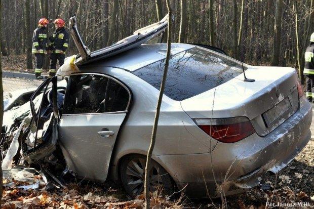 Groźny wypadek na drodze nr 296 koło Węglińca