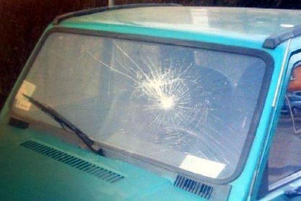 17-latkowie uszkodzili kilka aut i chcieli włamać się do kiosku