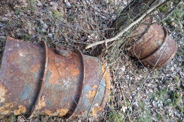 Beczki z niebezpieczną substancją znaleziono koło Świętoszowa