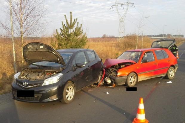 Wypadek w Wykrotach – dwie osoby ranne