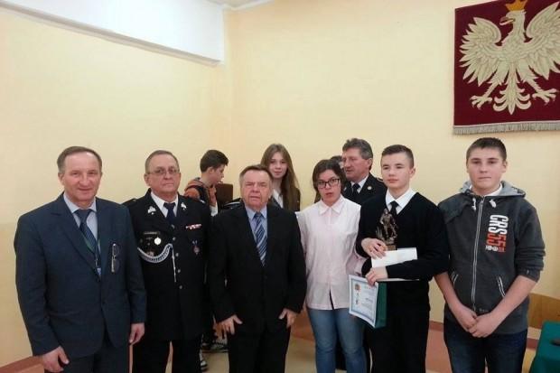 Młodzi strażacy z Nowogrodźca laureatami Turnieju Wiedzy Pożarniczej