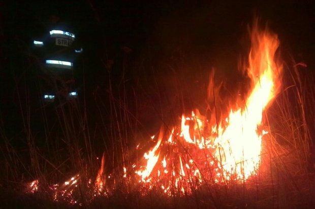 Prawie 330 pożarów, 80 fałszywych alarmów. Strażacy podsumowują 2016 r.