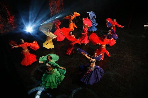 Barwne widowisko taneczne