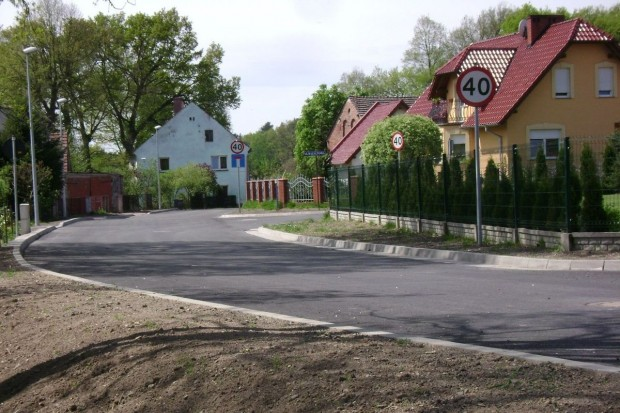 Kolejne odcinki drogi przy ul. Zabobrze wykonane