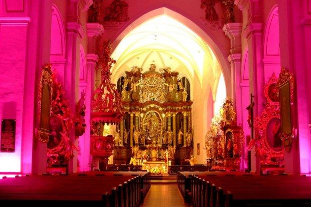Barwna iluminacja Bazyliki Maryjnej