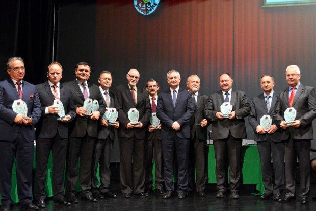 Powiat uhonorował samorządowców gminnych