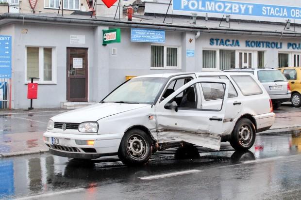Pijany kierowca spowodował kolizję na ulicy Kubika