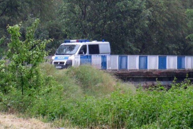 Ciało topielca znaleziono przy ulicy Mostowej