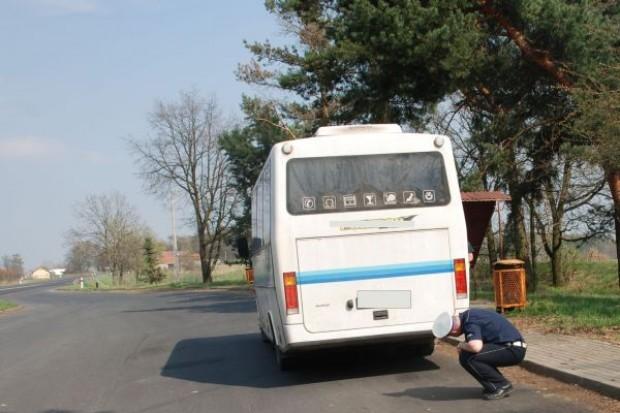 Trwają kontrole autobusów