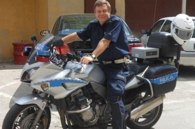 Policjant z bolesławieckiej drogówki idzie na emeryturę