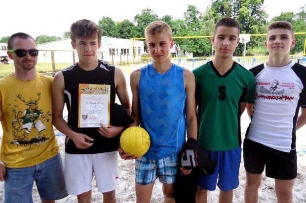 Siatkarze z jeleniogórskiego Gimnazjum w ZSO nr 1 w finale wojewódzkim