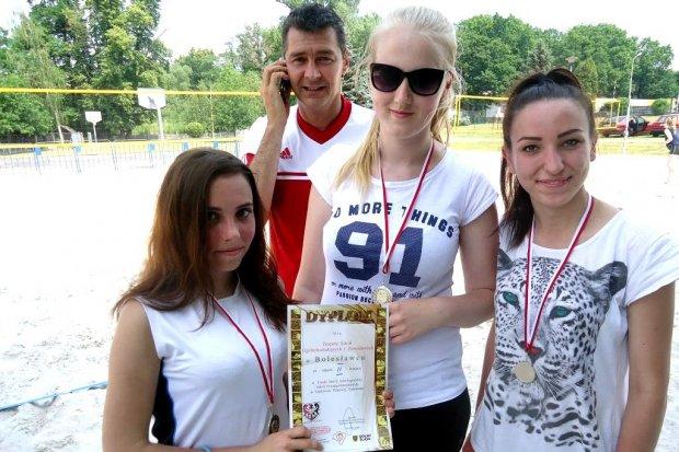 Siatkarki z Zespołu Szkół Ogólnokształcących i Zawodowych w finale wojewódzkim