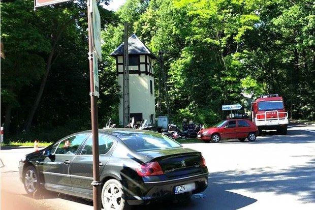 Wypadek w Osiecznicy - samochód zderzył się z motocyklem
