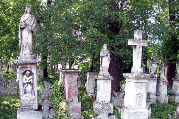 Po raz kolejny pojadą ratować polskie nekropolie na Kresach