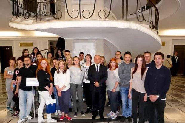 Uczestnicy konkursu Teatrhair 2015 w Sejmie i Senacie