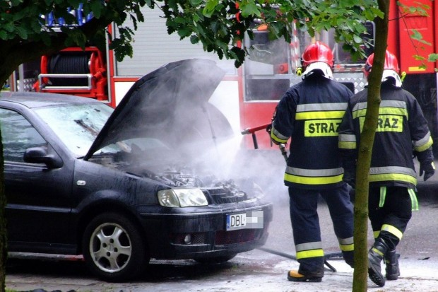Pożar samochodu na Kosiby