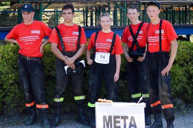 Młodzi strażacy w pierwszej piątce w Polsce w sportach obronnych