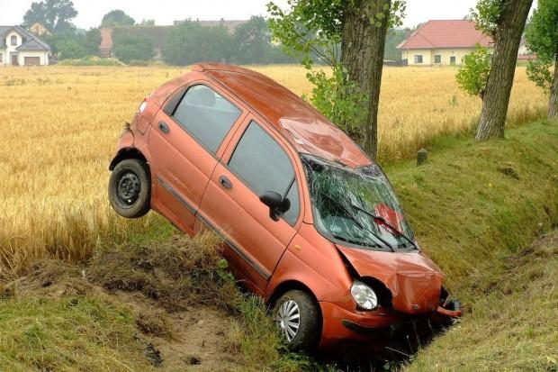 Kierowca Daewoo dachował koło Warty Bolesławieckiej