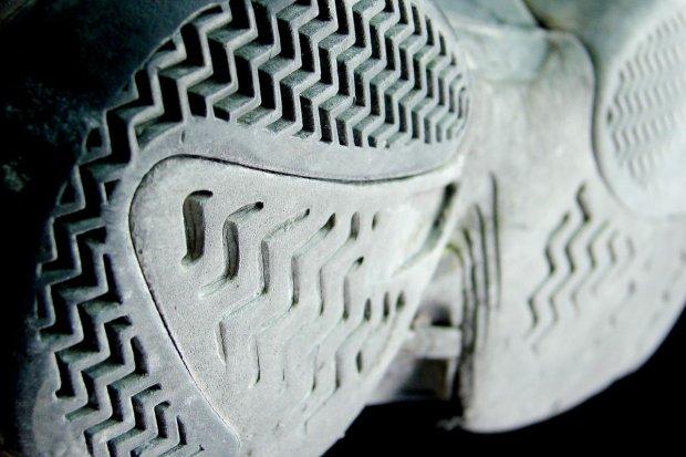 Ukradli 9 par sportowych butów wartych blisko 1 tys. zł