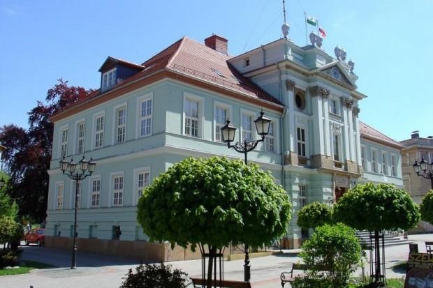 Muzyczny Ogród Liczyrzepy – koncert na schodach kowarskiego ratusza