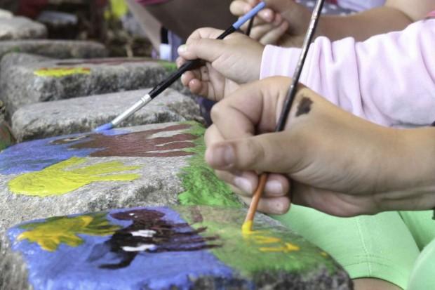Z farbami i pędzlem do zwierząt — wakacyjna akcja w Naszym Zoo