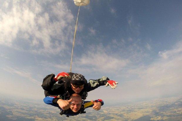 Skoczył ze spadochronem i zrobił niezwykłe zdjęcia