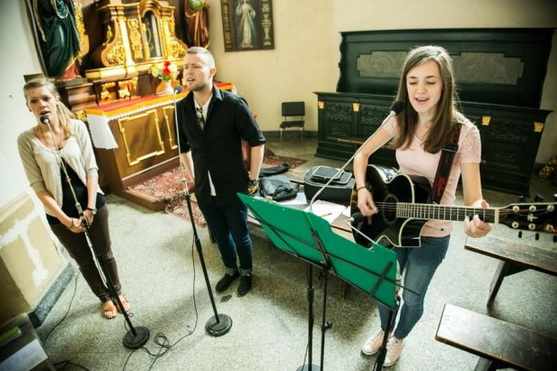 Na ślubie nie może zabraknąć pięknej muzyki. Poznaj Amor Dei!