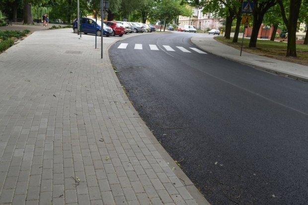 Lato powiatowych inwestycji drogowych: nowa ulica Kubika