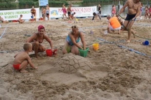 Wyczarowywali rzeźby z piasku