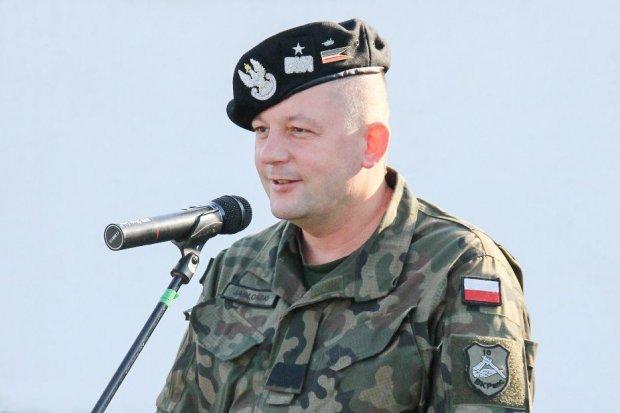 Maciej Jabłoński, dowódca 10 Brygady Kawalerii Pancernej, generałem