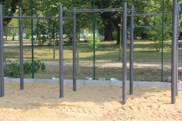 Drabinki i poręcze czyli park kalisteniczny