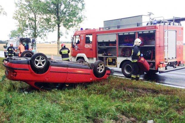 Samochód dachował koło Czernej