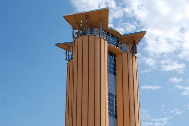 Wieża ciśnień w świetle